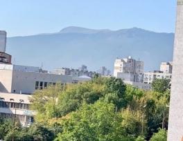 Изглед от сградата в кв.Надежда, ул.Враил 12-14